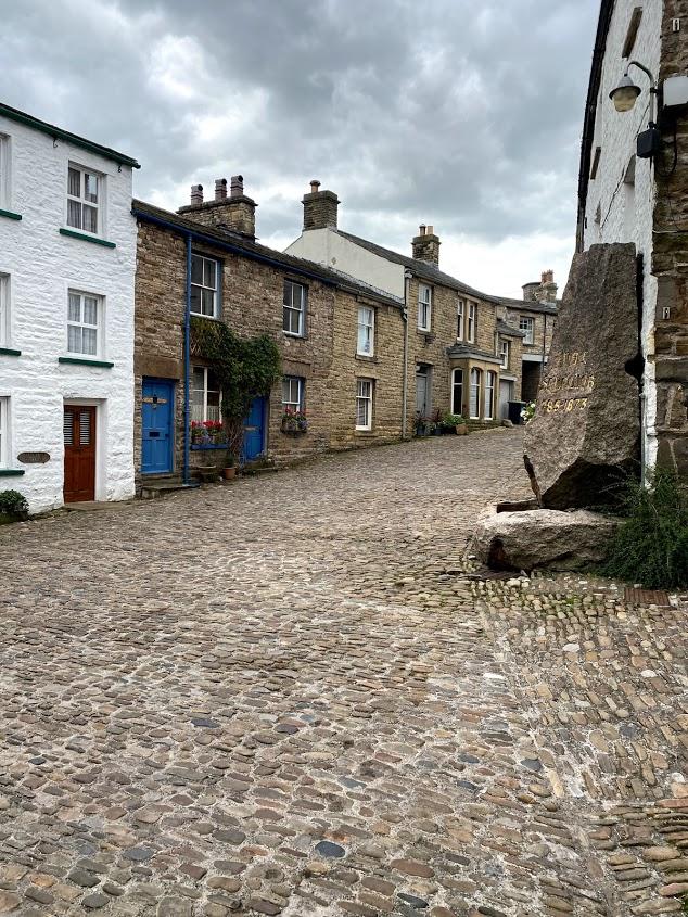 Dent village outside the pub